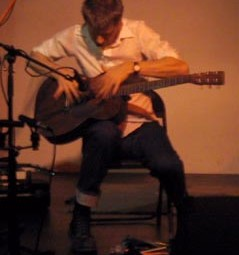 Nels Cline, sound. at Sacred Grounds: Solo Strings, April 2000 (Photo by Cindy Bernard)