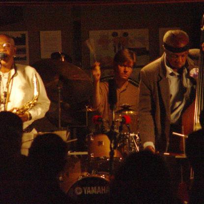 sound. at the Schindler House: Joseph Jarman (w/Henry Grimes and Alex Cline), September 20, 2003 (photo by Cindy Bernard)